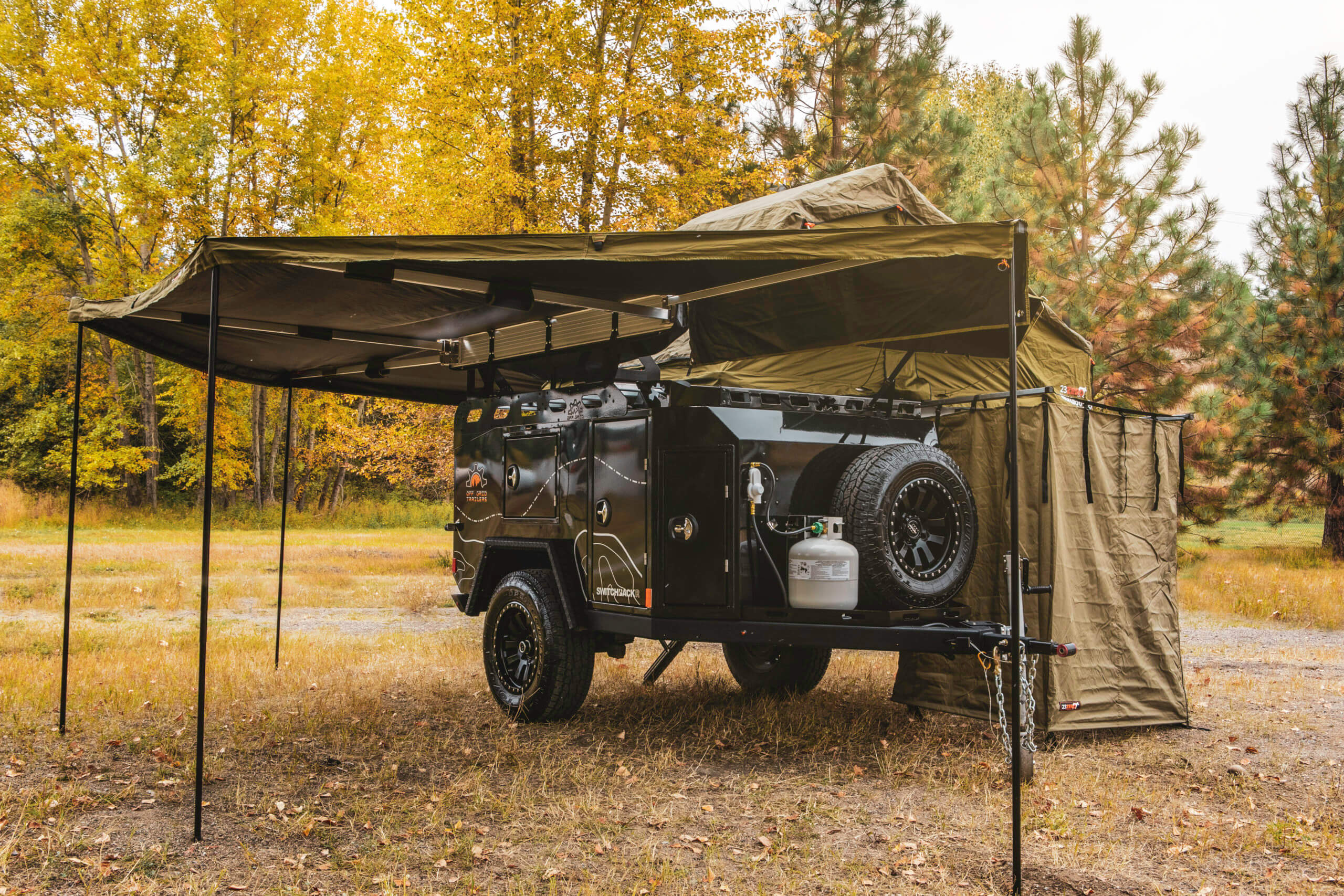 off road trailer with roof top awning